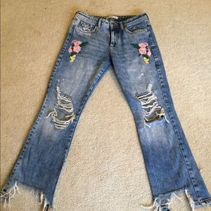 Zara Rare blogger ripped embroidered jeans Sz 4/27